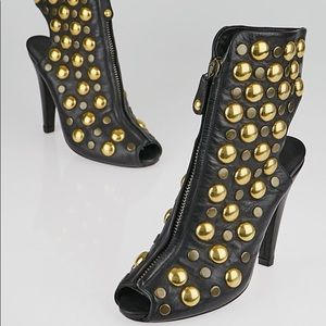 GUCCI Gold studded peep-toe bootie